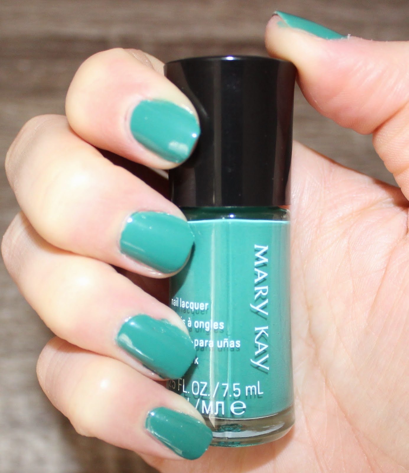 Mary Kay Paradise Calling Nail Lacquer in Lagoon