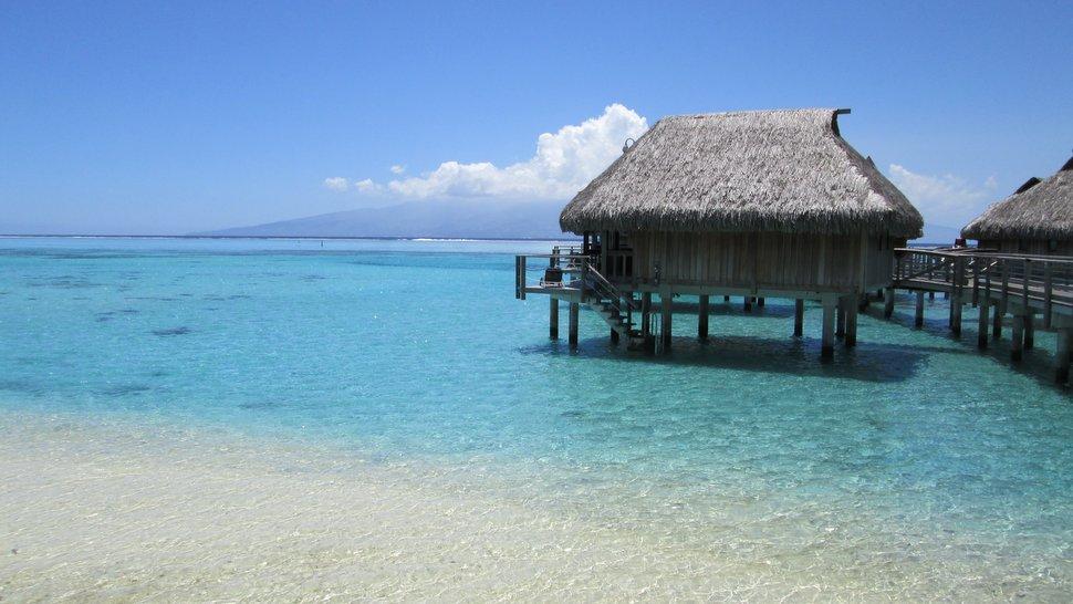 Bungalow sur pilotis du Sofitel Moorea Ia Ora Beach Resort