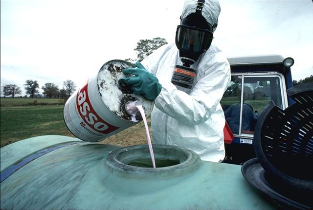 pesticide-lasso_monsanto.jpg