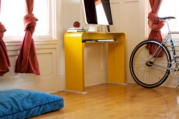 Modernos escritorios minimalistas para espacios reducidos for Jardines modernos en espacios pequenos