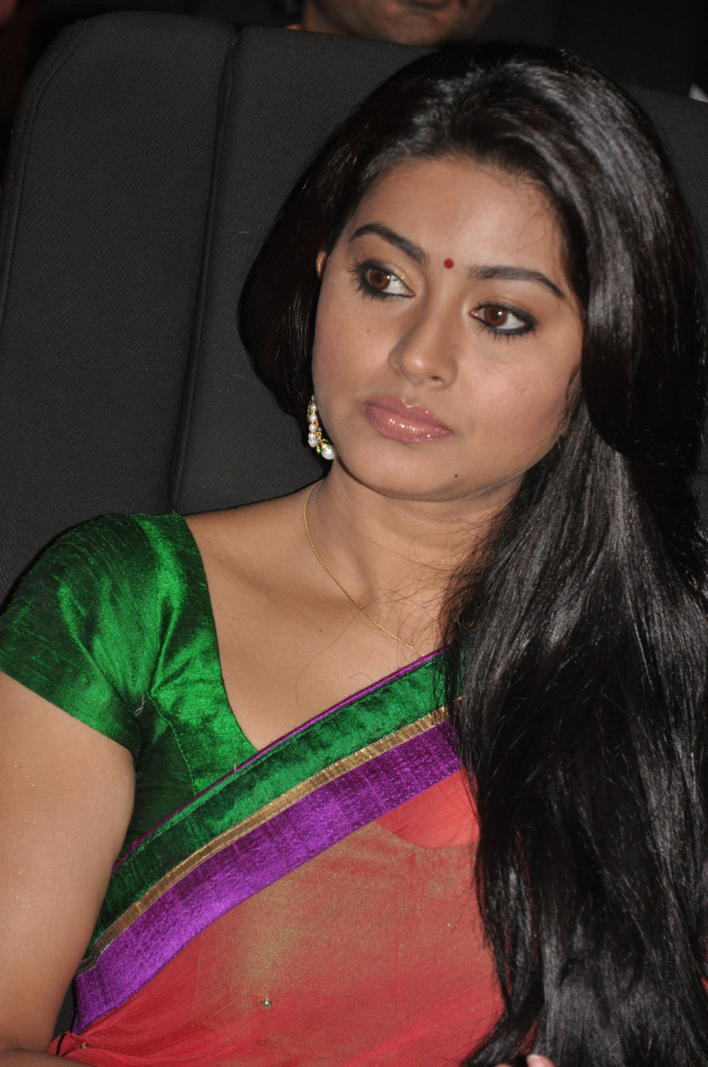 Gorgeous sneha in red saree