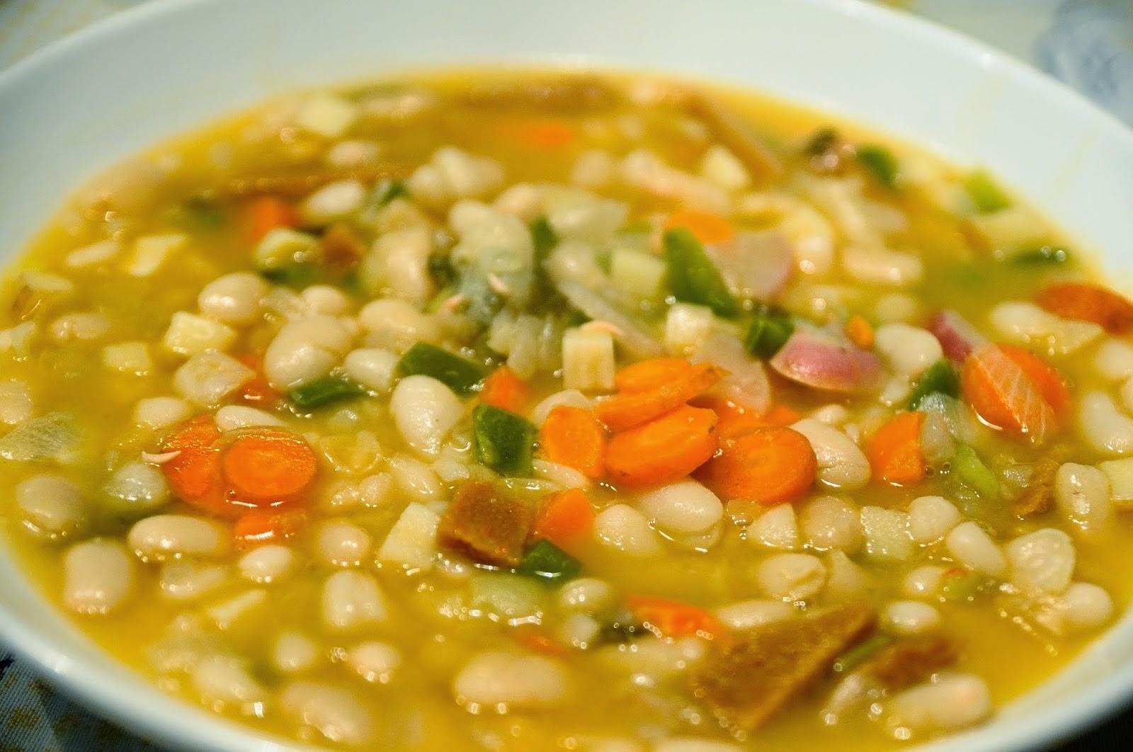 Alubias con chorizo vegetal cocinar para nutrir - Como cocinar alubias pintas ...