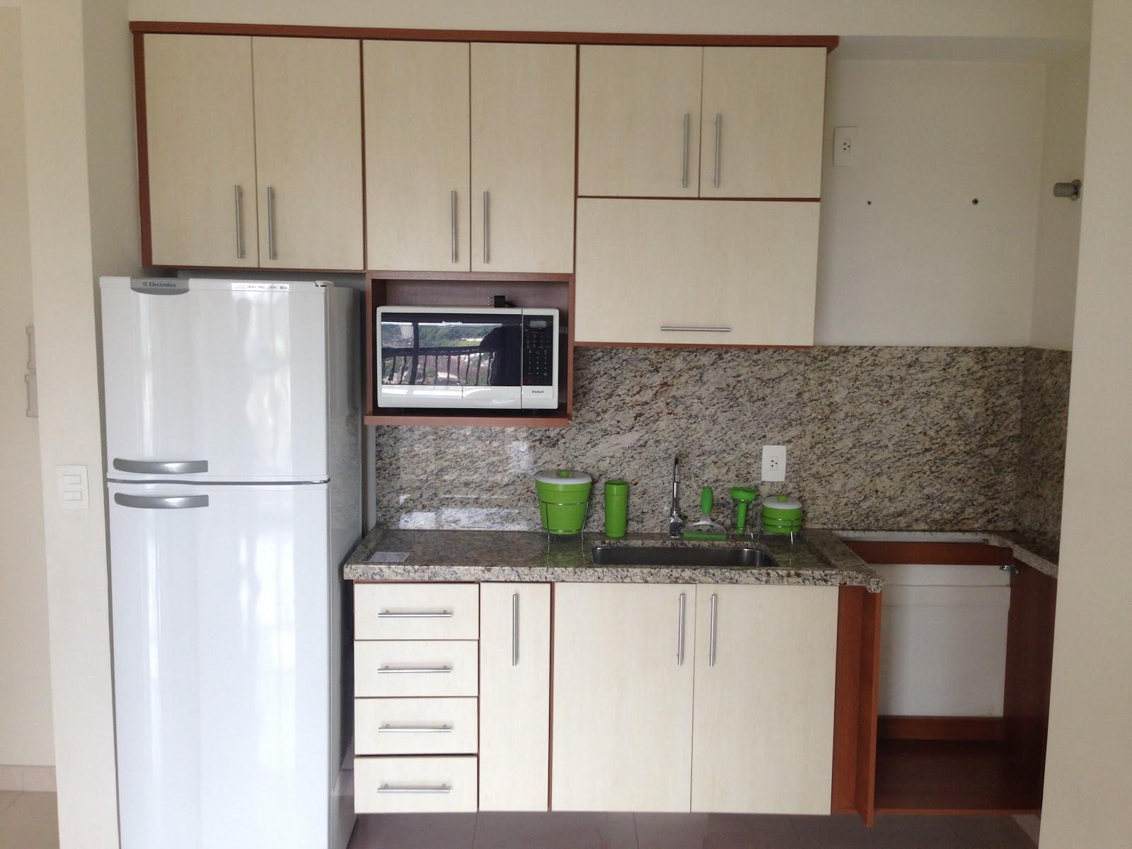 #426B28  fechamos contrato e na cozinha havia alguns elétrodomésticos 1600x1200 px Balcão Cozinha Americana Tok Stok_1897 Imagens