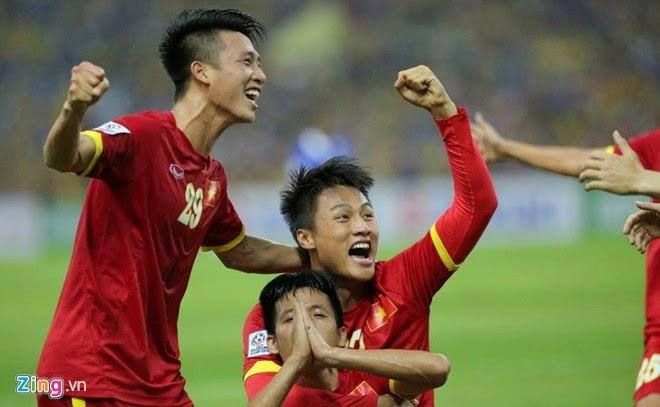 Việt Nam vươn lên dẫn đầu khu vực trên BXH FIFA