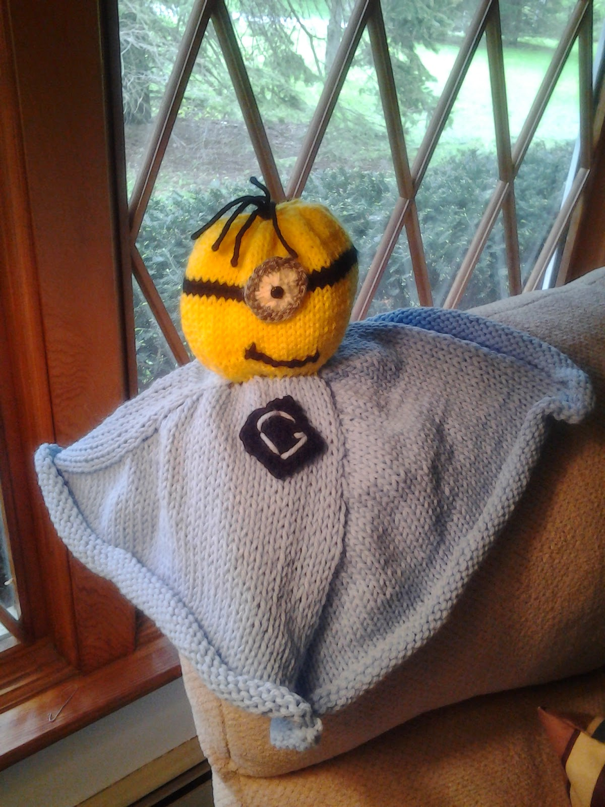 The Penguin Pages: Knit Minion Cuddly Toy (Lovey)