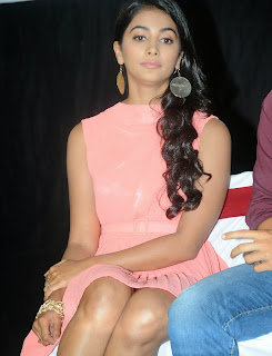 Actress Pooja Hegde Pictures in Short Dress at Oka Laila Kosam Prerelease Press Meet  89