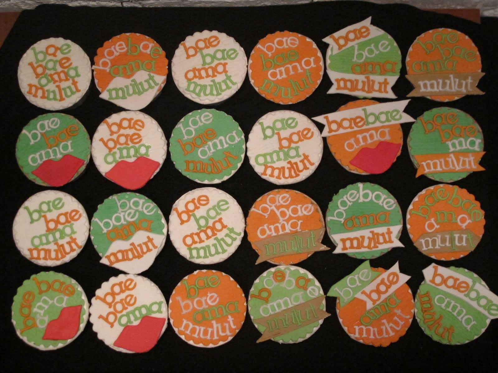 Cupcake Artinya : spatula and friends: Set of 1 - cupcakes with a message ...
