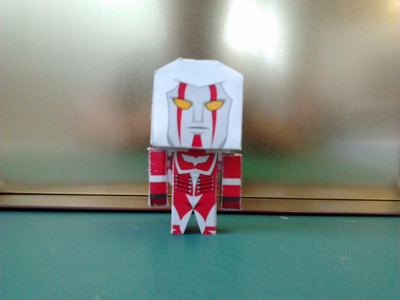 Megaloman Papercraft