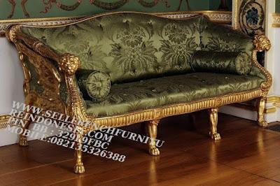 sofa jati jepara furniture mebel ukir jati jepara jual sofa tamu set ukir sofa tamu klasik set sofa tamu jati jepara sofa tamu antik sofa jepara mebel jati ukiran jepara SFTM-55159 jual mebel jepara mebel asli jepara sofa klasik ukiran lion gold leaf jepara sofa duco jepara