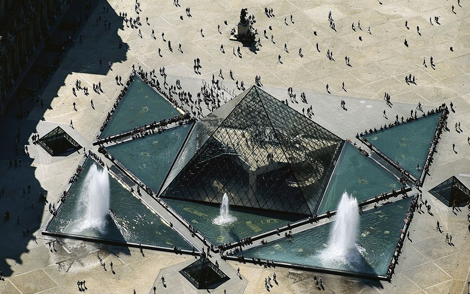 Paris louvre glass pyramid hd wallpapers hd wallpapers backgrounds photos - Les classiques du design ...