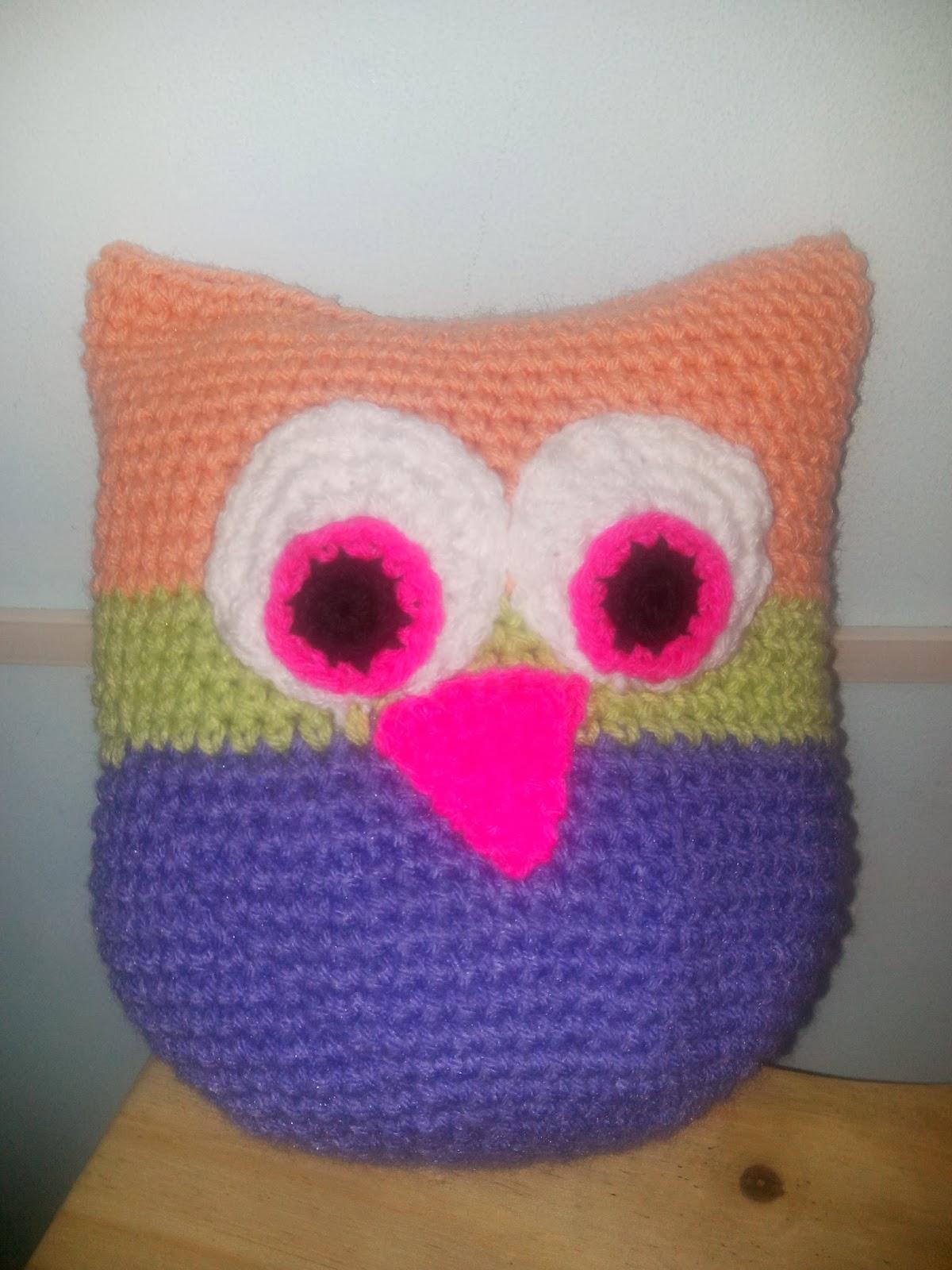 Mis creaciones en crochet almohad n lechuza for Andy panda jardin de infantes