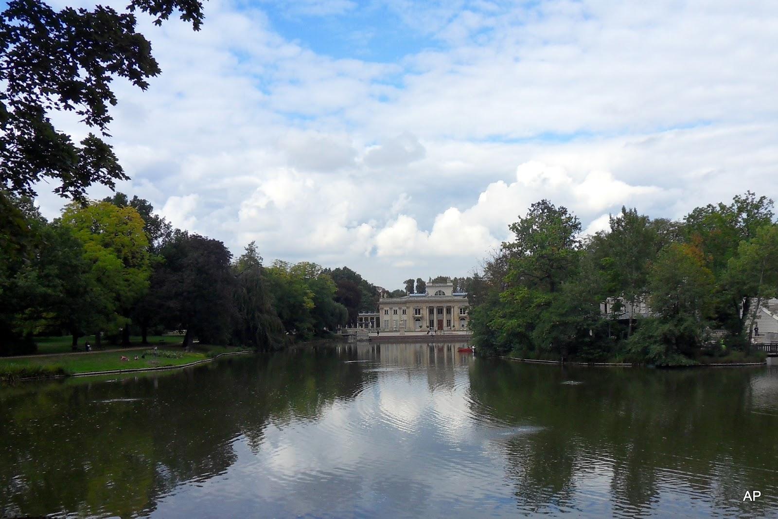 Palais auf dem Wasser
