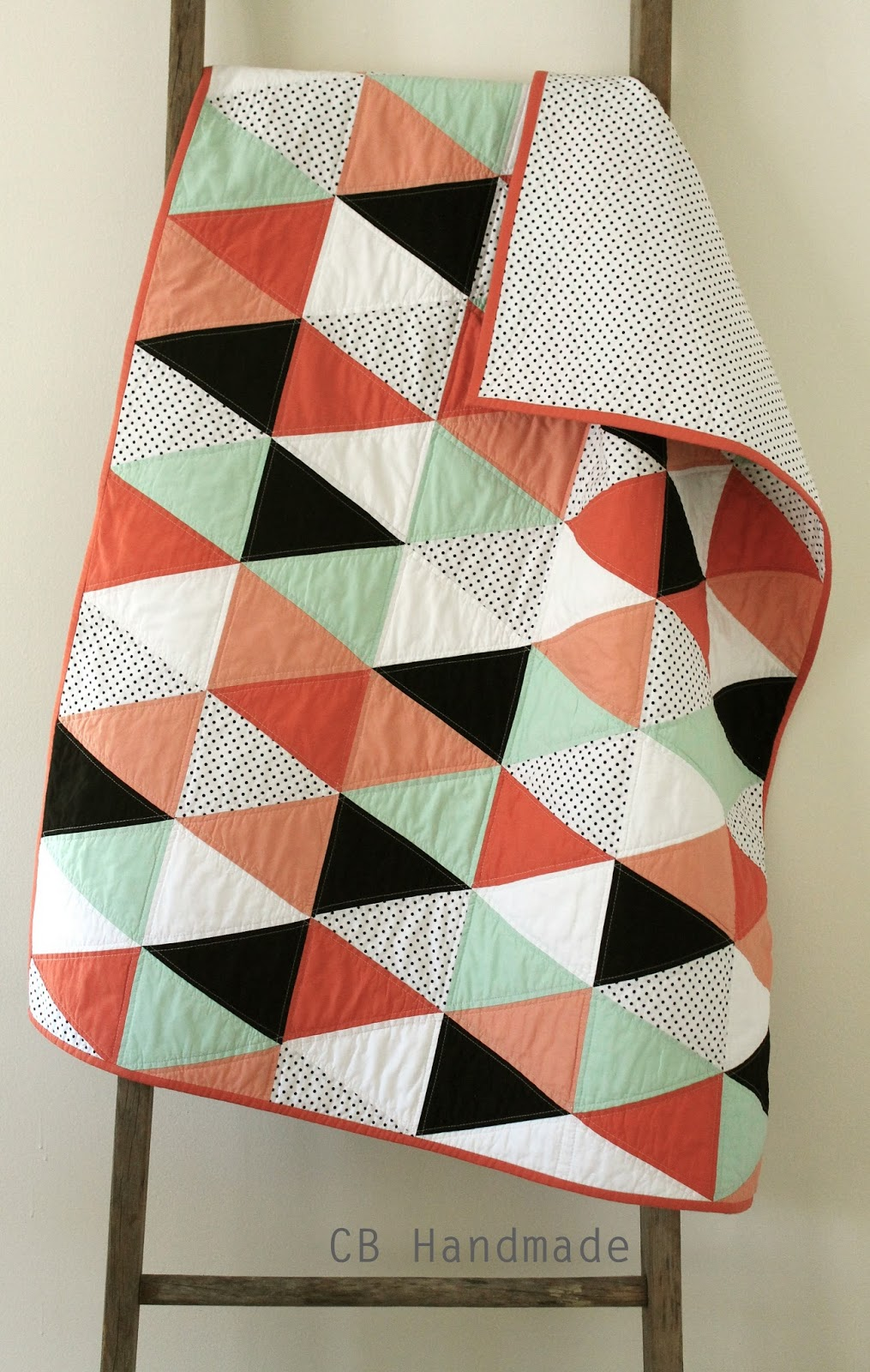 craftyblossom: a coral and mint isosceles quilt. : equilateral triangle quilt tutorial - Adamdwight.com