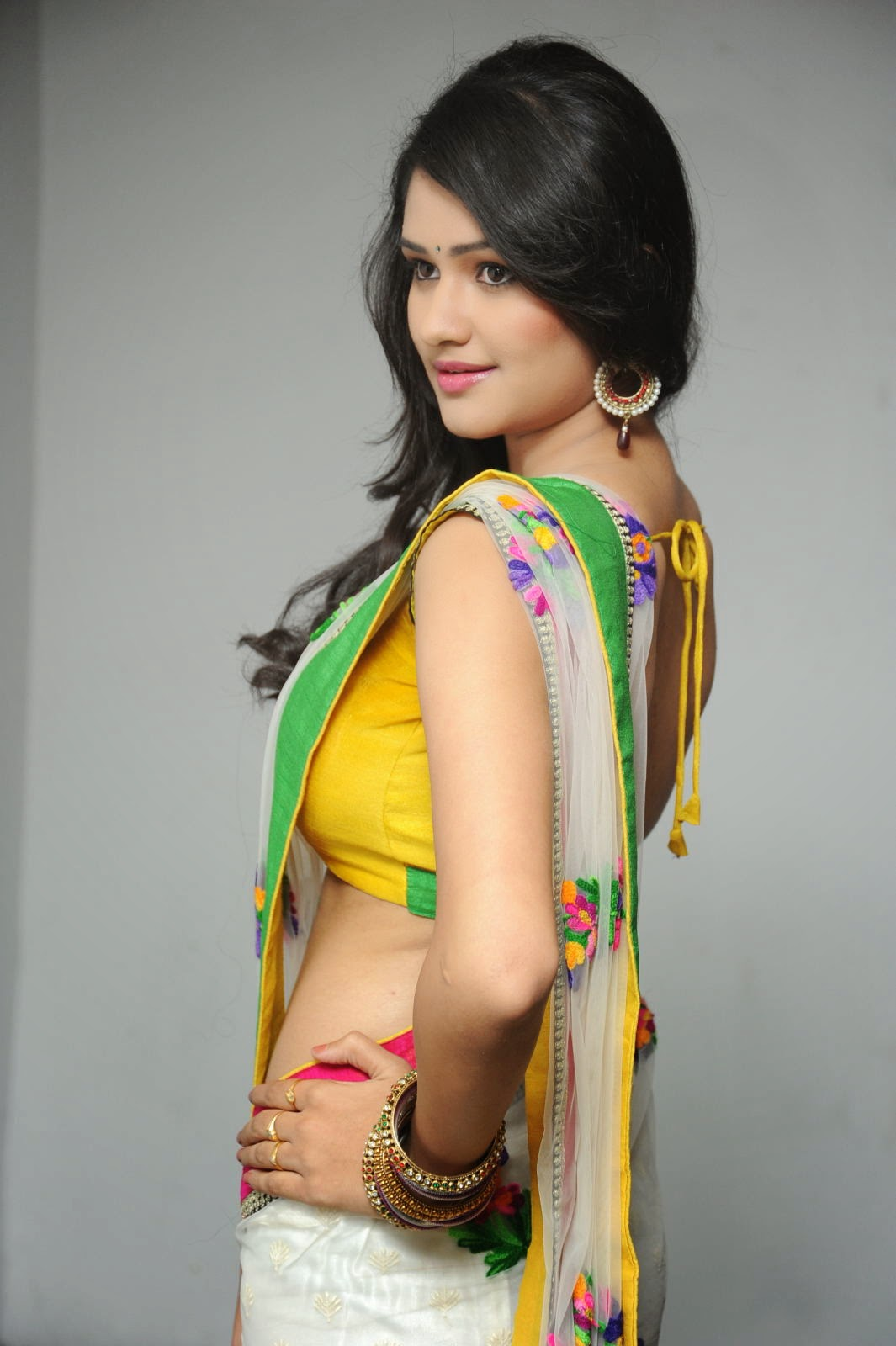 Kushi glamorous saree photos-HQ-Photo-11