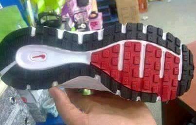 Salah Satu Sol Sepatu Keluaran Nike Mirip Dengan Lafadz Allah