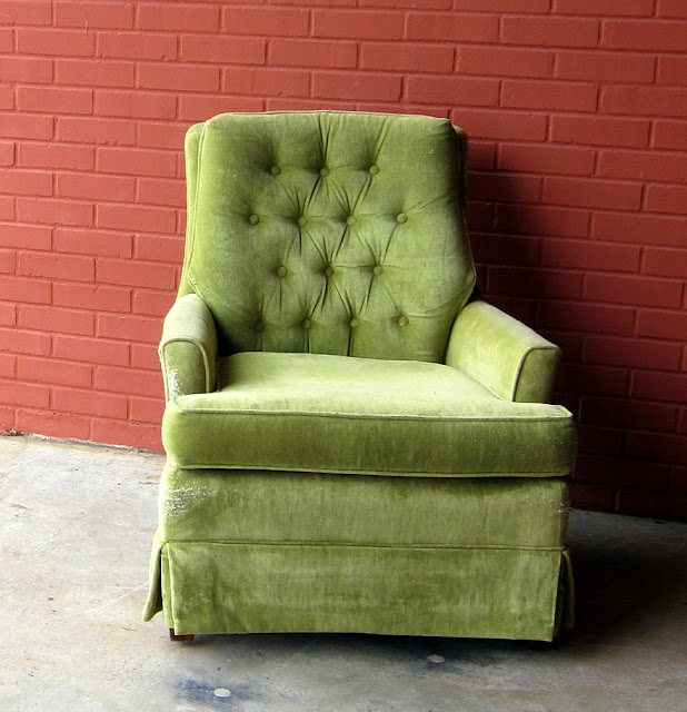 hollywood regency tufted sitting chair