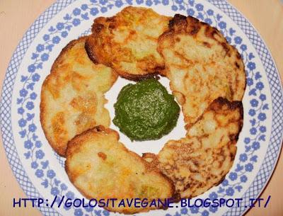 aglio, Antipasti, farina, fiori di zucchina, frittelle, latte di soia, purè, ricette vegan, spinaci, zucchine,