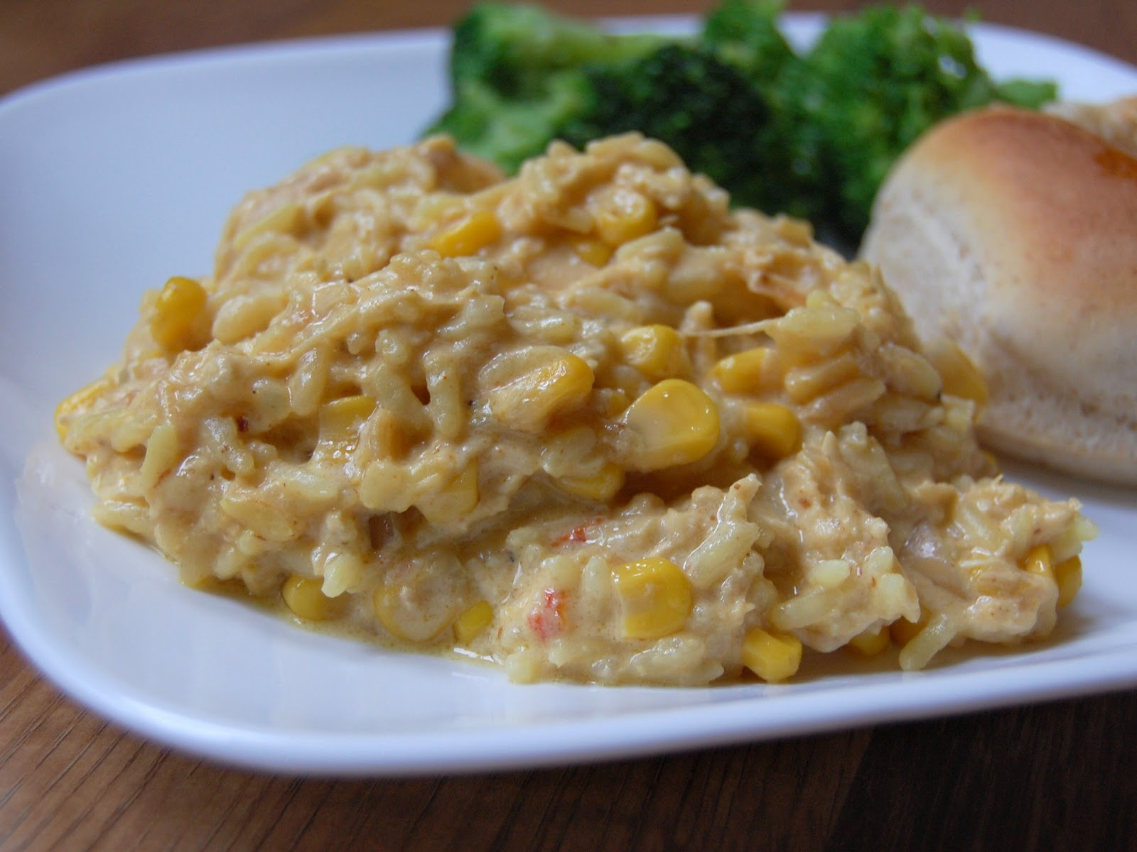 Cassie Craves: Slow Cooker Cheesy Chicken and Rice