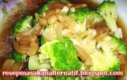 Resep Masakan dan Cara Membuat Sayur Brokoli Jamur Kuping Kuah Bening