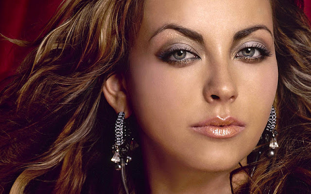 Charlotte Church Biography and Photos