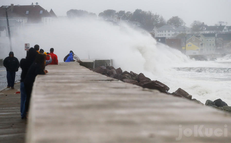 the effect of hurricane sandy essay Hurricane sandy introduced herself to the united states in october of 2012 the super storm began its course in the southeast, and moved all the way up to the mid.