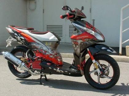 motor vario anda dan ada beberapa gambar modifikasi motor honda vario title=