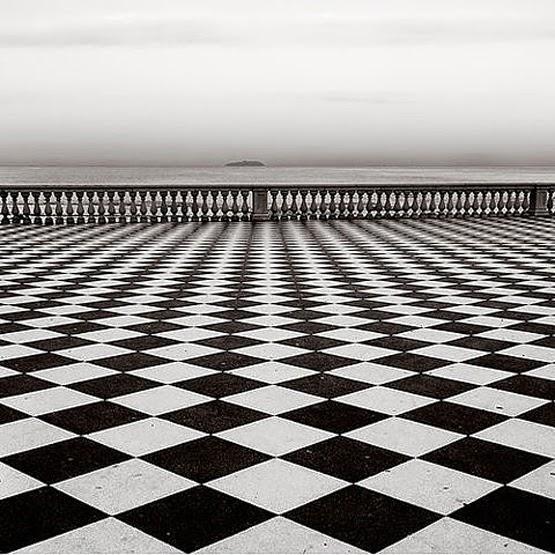 Optische illusies en gezichtsbedrog juli 2014 for Terrace white