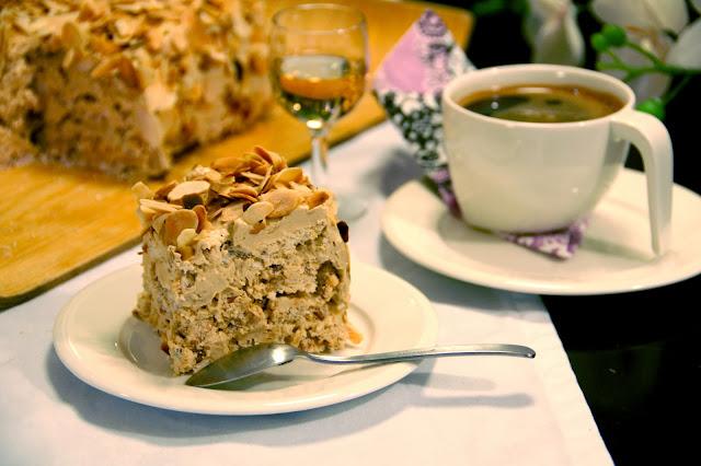 Kakku ja kahvi