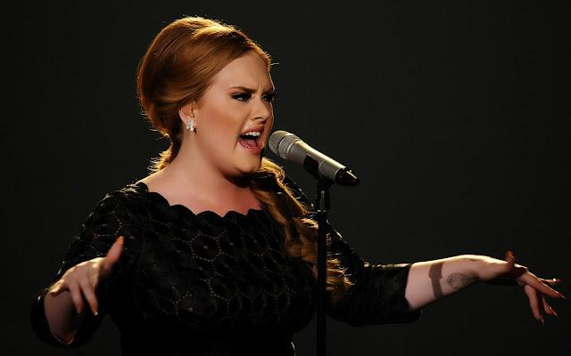 Adele confirmó sus planes de gira del 2016, pero tiene miedo por su garganta.