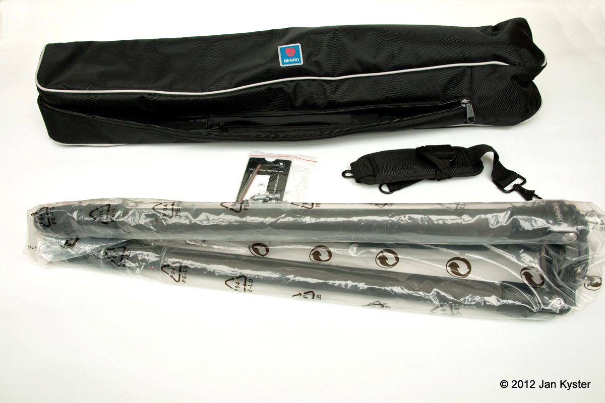 Benro C3770T carrying bag & contents