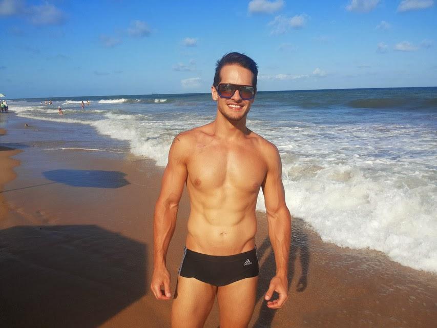Após a luta contra um câncer linfático, Erik começou a praticar musculação