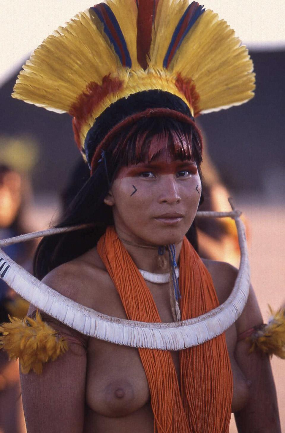 Khám phá bộ tộc thổ dân Yawalapiti thích ở truồng 6