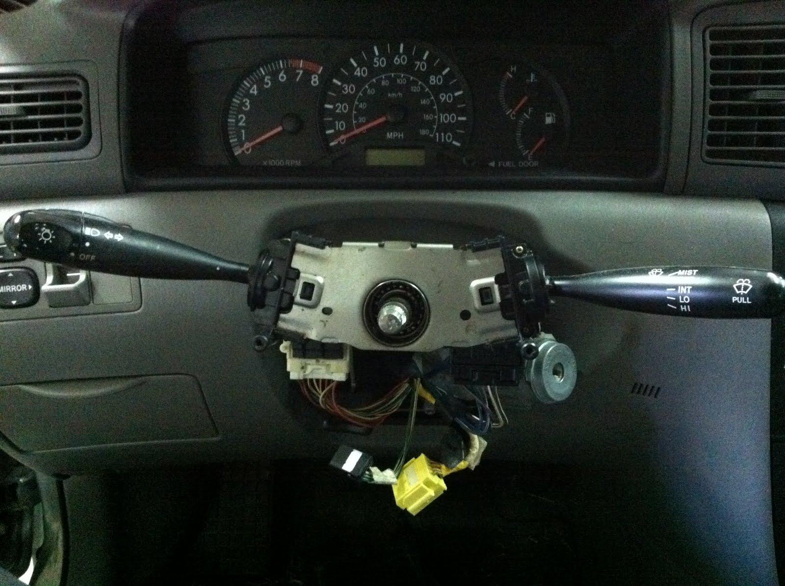 Toyota Camry: Headlight switch