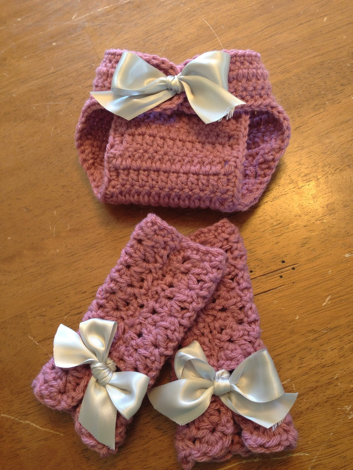 Couture Unraveled~: Newborn leg warmers pattern
