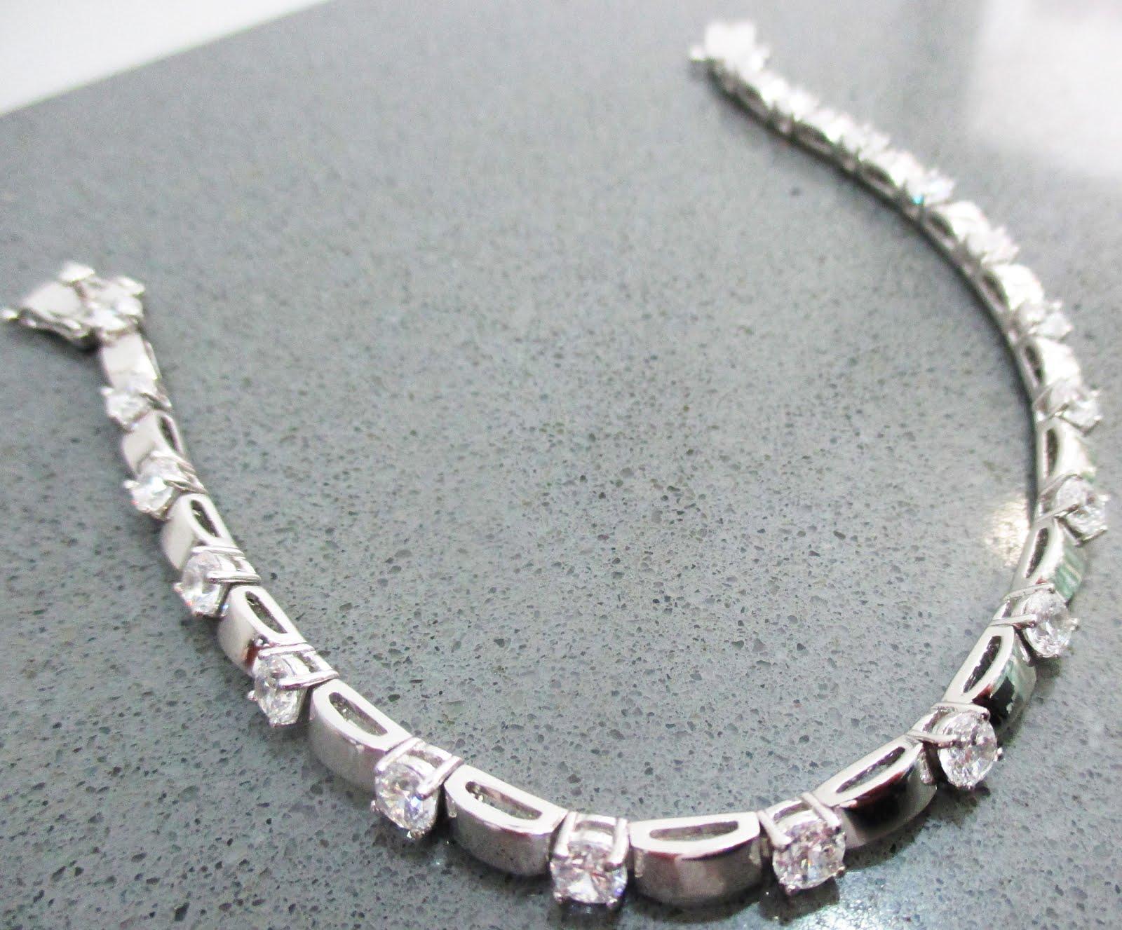 Pulsera de plata y zirconitas