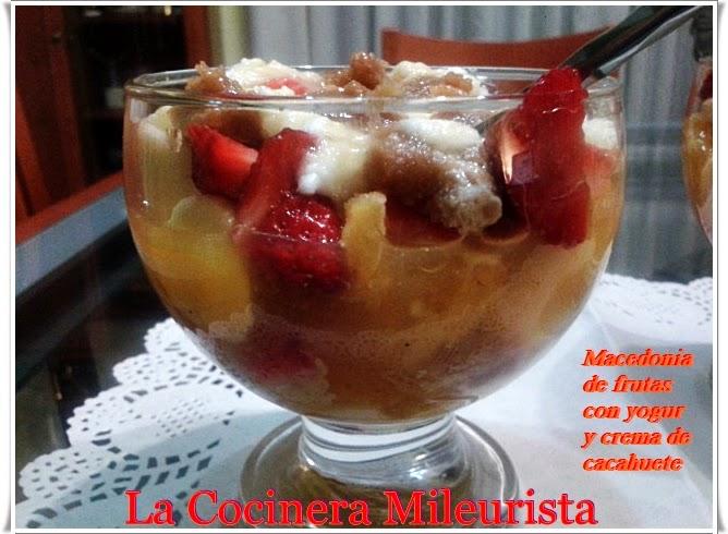 Macedonia De Frutas Con Yogur Y Crema De Cacahuete