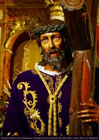 Nuestro Padre Jesús Nazareno. Besapie en la cuaresma del año 2013. León. Foto. G. Márquez