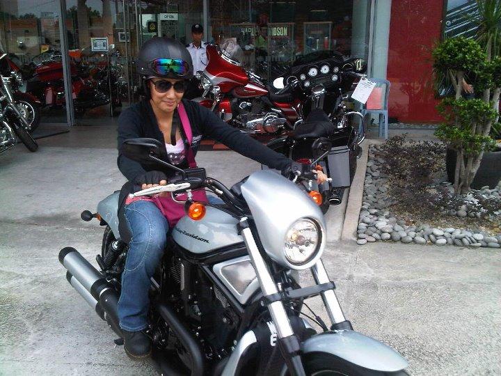 Gambar Motosikal Harley-Davidson VRSCDX Night Rod Special Milik Erra