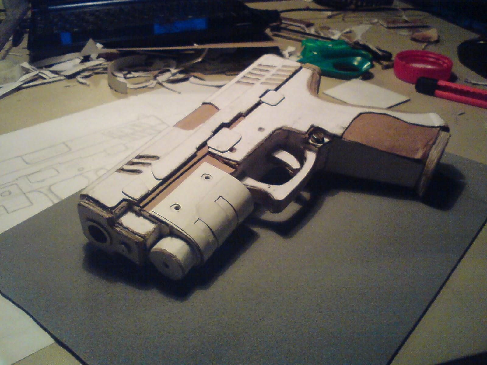 Pistola Blacktail - Resident Evil DSC04452