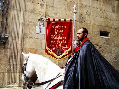 Pregón a caballo de las Siete Palabras. Jueves Santo. León. Foto G. Márquez.