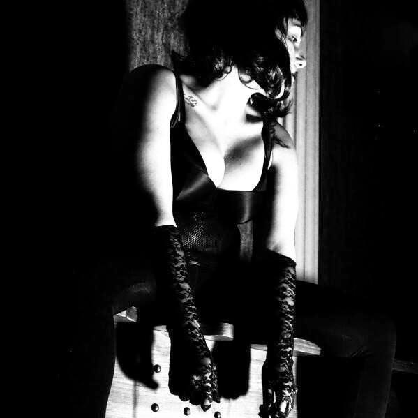 Mistress Mya Dom