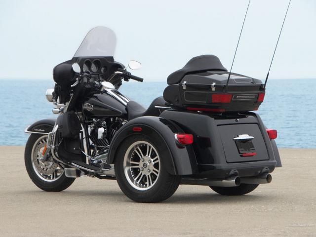 Harley-Davidson Tri Glide Motorcycle Images