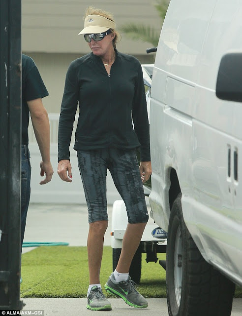 Caitlyn Jenner shows off legs in work out outfit!