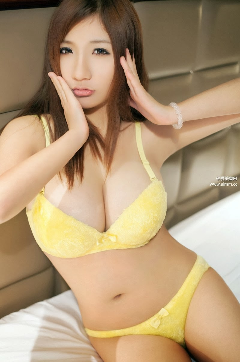 Sexy yellow bra fucking — photo 14