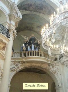 praga-piata-orasului-vechi-biserica-sf-nicolae-interior-2