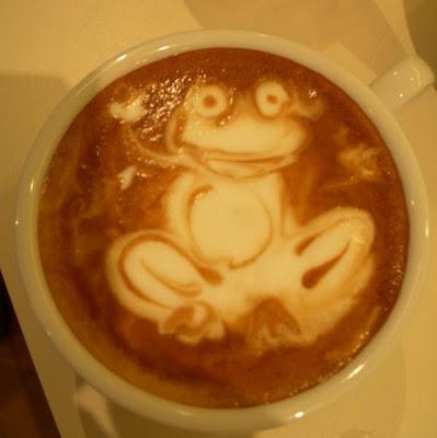 art gallery in a cup of coffee12 Koleksi Gambar Kesenian Corak Air Kopi dalam Gelas