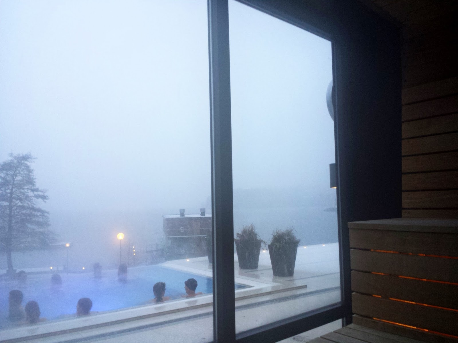 Skepparholmen Spa Hotel bastu sauna in Nacka, Stockholm + Swedish sauna customs  |  Swedish sauna rituals and snow flurries by the sea on afeathery*nest  |  http://afeatherynest.com