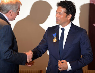 Simon-Crean-and-Sachin-Tendulkar-The-Order-of-Australia