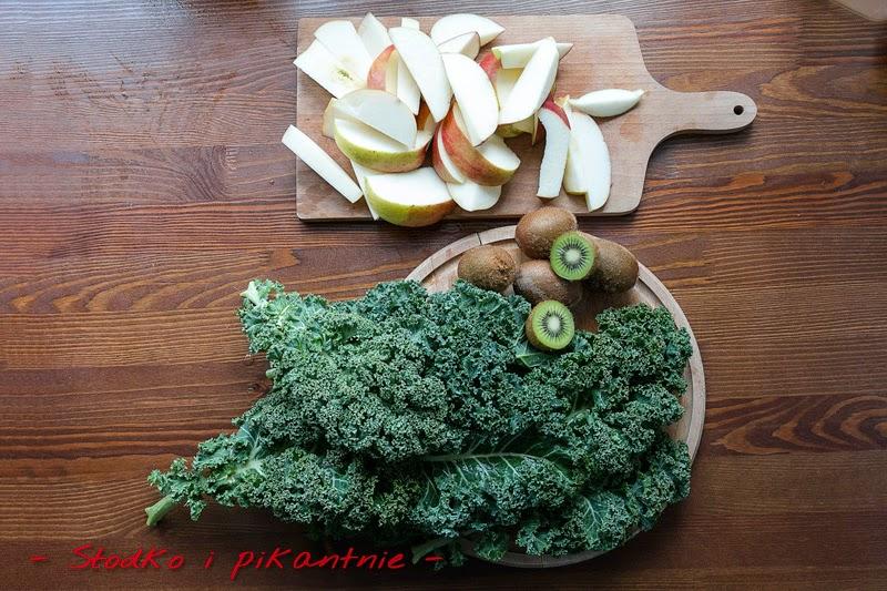 Jarmuż, jabłka i kiwi