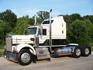 1981 Kenworth W-900A Aerodyne Jax Wax Customer